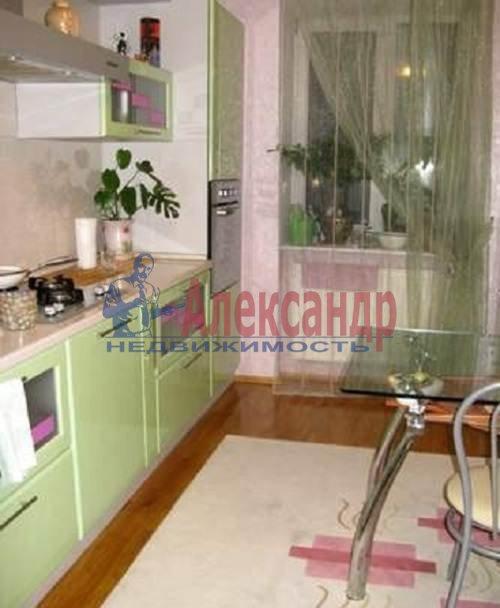 2-комнатная квартира (60м2) в аренду по адресу Коломяжский пр., 20— фото 3 из 7