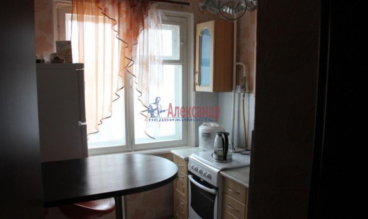 1-комнатная квартира (36м2) в аренду по адресу Народного Ополчения пр., 141— фото 3 из 5