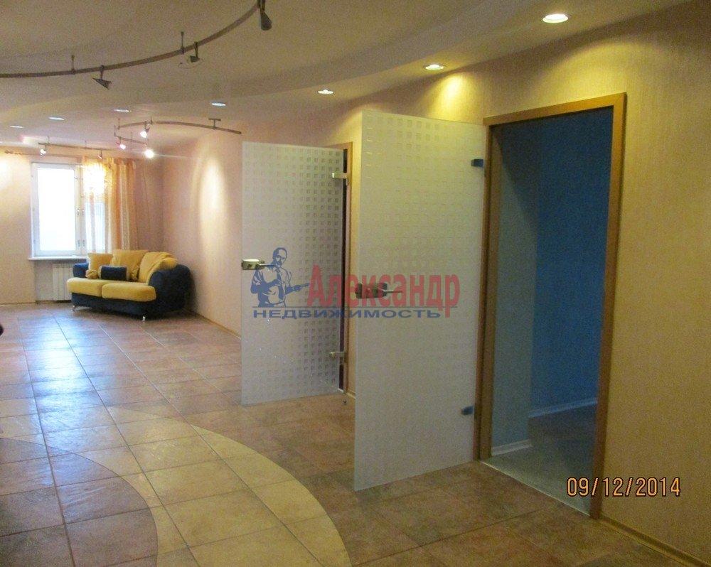 3-комнатная квартира (102м2) в аренду по адресу Пражская ул., 44— фото 3 из 7