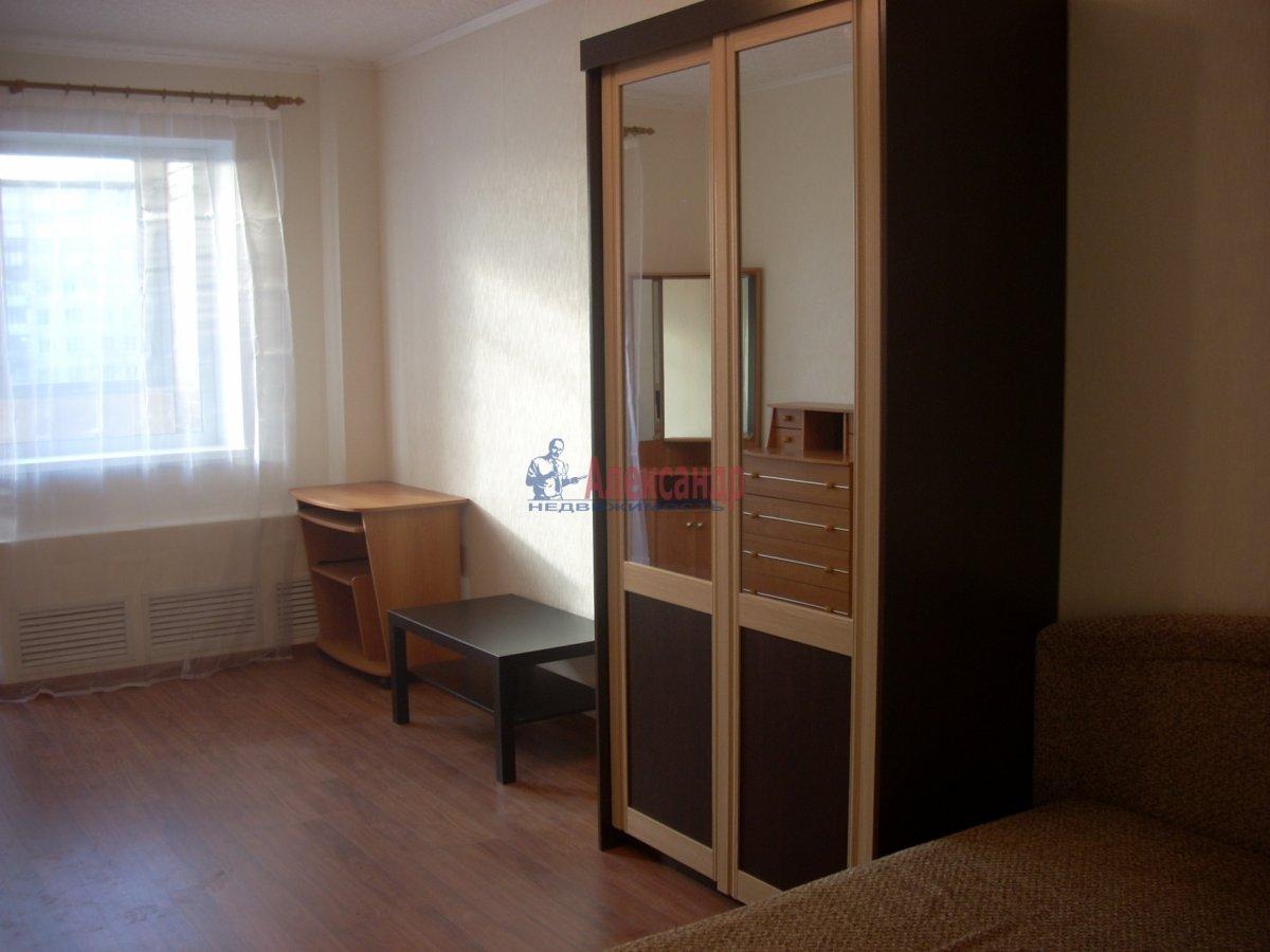 1-комнатная квартира (35м2) в аренду по адресу Дальневосточный пр., 69— фото 2 из 2