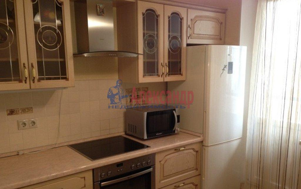 1-комнатная квартира (39м2) в аренду по адресу Бухарестская ул., 146— фото 2 из 4