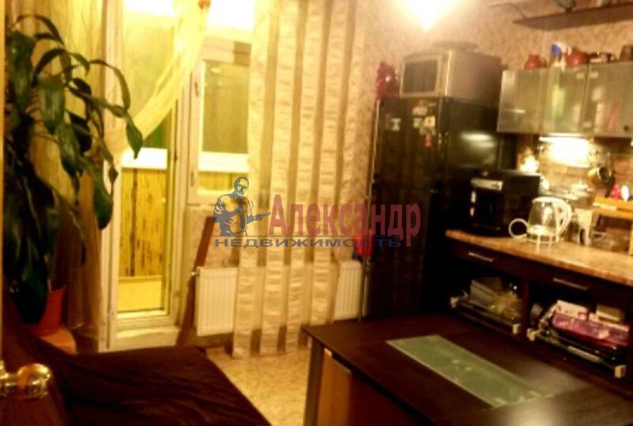 1-комнатная квартира (38м2) в аренду по адресу Звездная ул., 4— фото 3 из 4