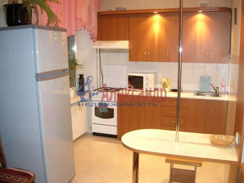 1-комнатная квартира (37м2) в аренду по адресу Народного Ополчения пр., 7— фото 1 из 3