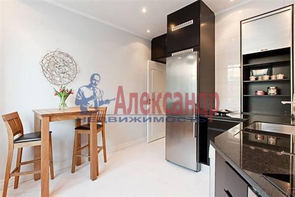 2-комнатная квартира (70м2) в аренду по адресу Итальянская ул.— фото 8 из 12