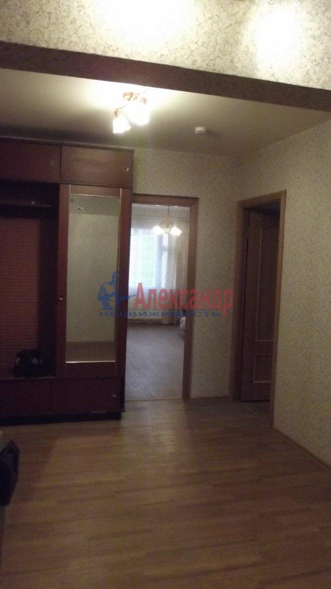 1-комнатная квартира (33м2) в аренду по адресу Малая Бухарестская ул., 10— фото 2 из 4