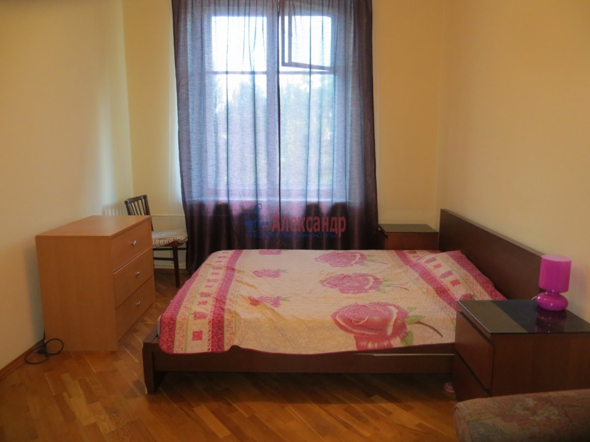 1-комнатная квартира (40м2) в аренду по адресу 6 Верхний пер., 14— фото 1 из 9