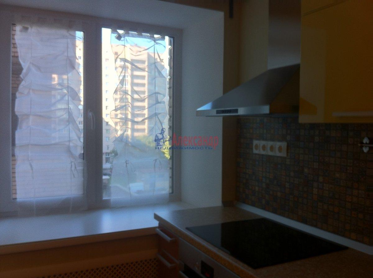2-комнатная квартира (54м2) в аренду по адресу Новосмоленская наб., 1— фото 10 из 15