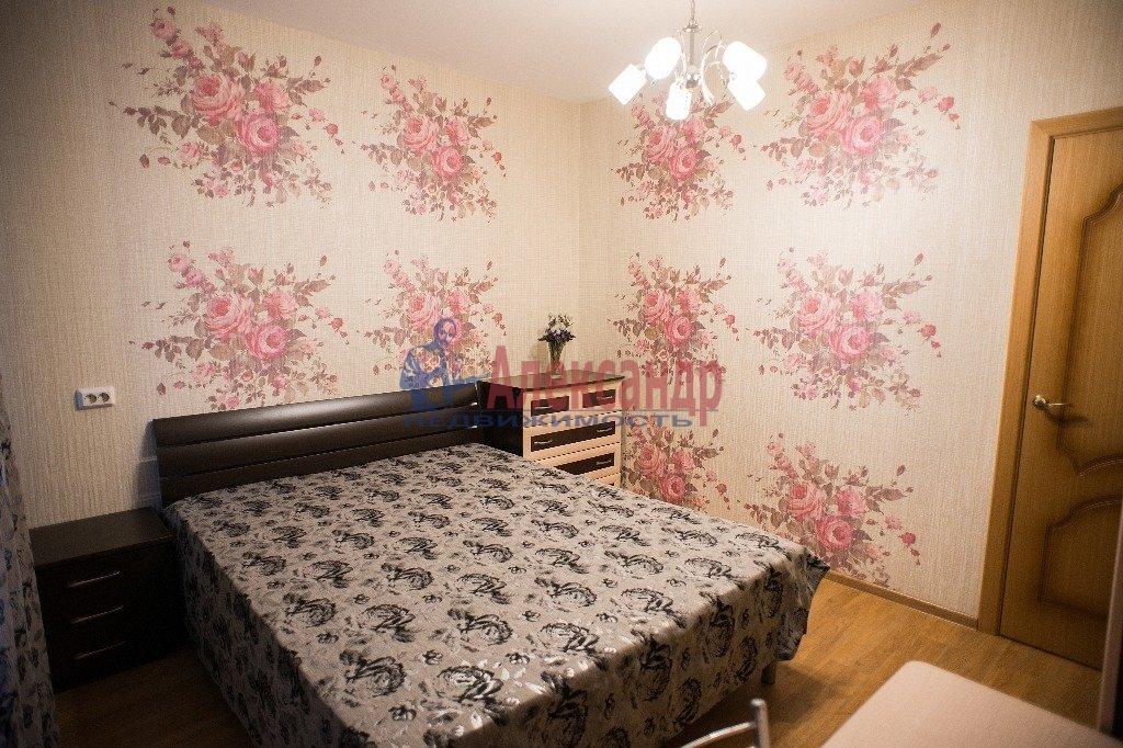 2-комнатная квартира (60м2) в аренду по адресу Славы пр., 55— фото 1 из 7