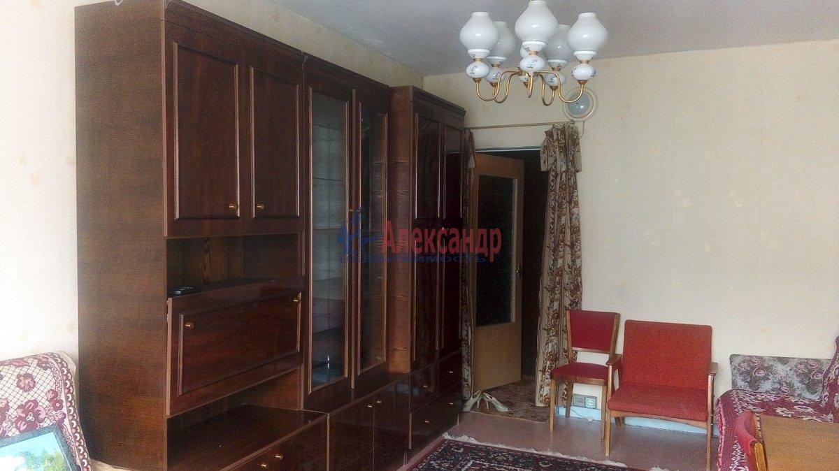 1-комнатная квартира (36м2) в аренду по адресу Ударников пр., 32— фото 2 из 8
