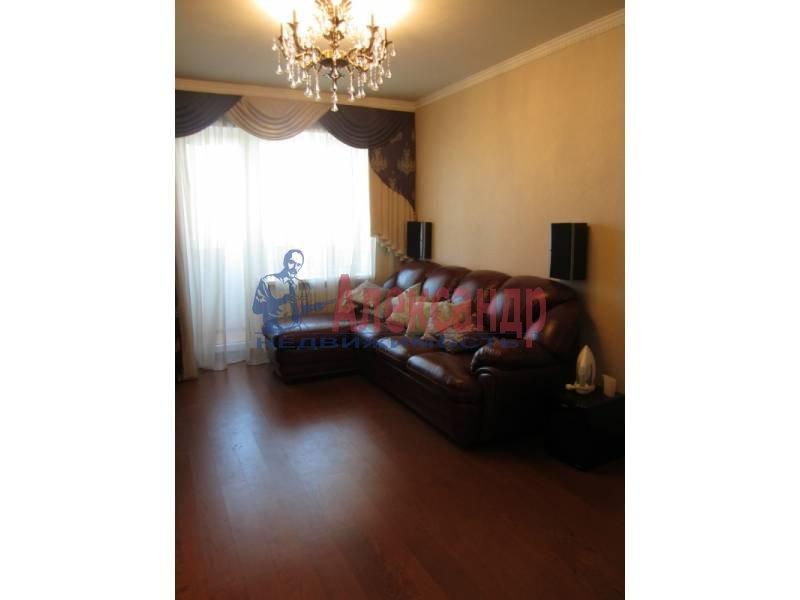 3-комнатная квартира (78м2) в аренду по адресу Ярослава Гашека ул., 15— фото 1 из 6