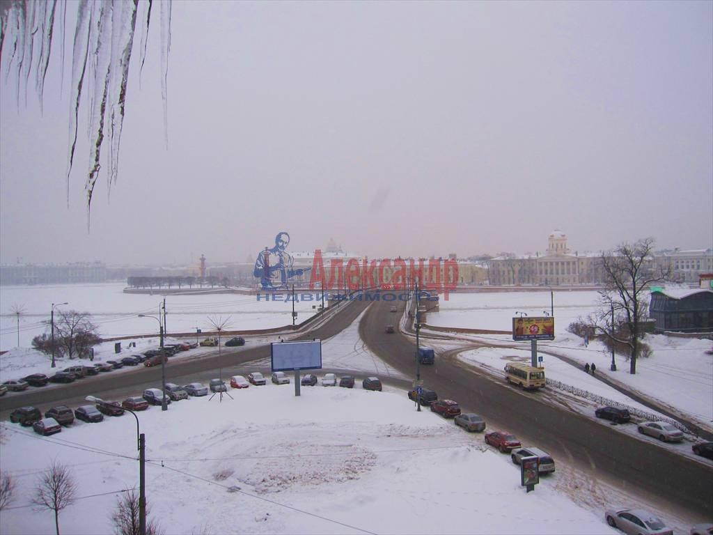 3-комнатная квартира (125м2) в аренду по адресу Мытнинская наб., 1— фото 5 из 16