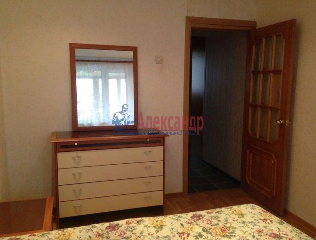 Комната в 3-комнатной квартире (84м2) в аренду по адресу Вавиловых ул., 7— фото 1 из 5