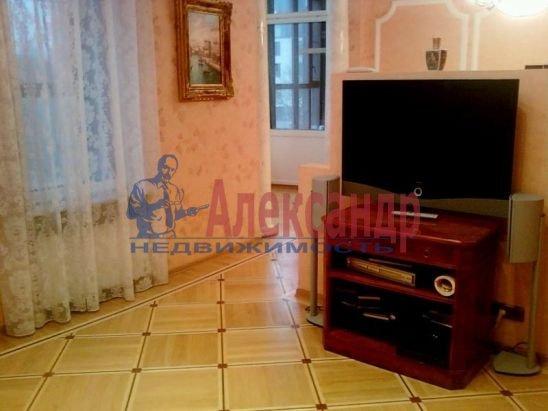 2-комнатная квартира (70м2) в аренду по адресу Петровский пр., 14— фото 3 из 5