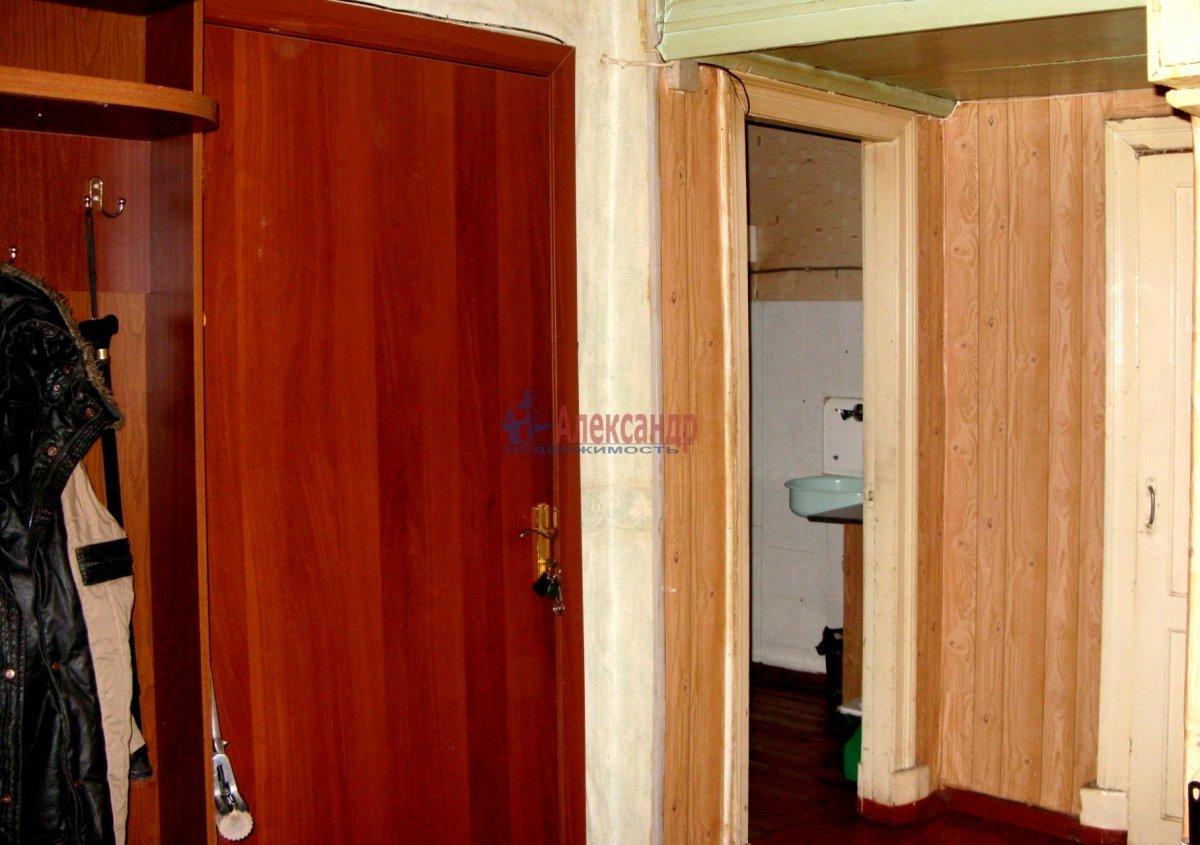1-комнатная квартира (45м2) в аренду по адресу Карбышева ул., 4— фото 2 из 3