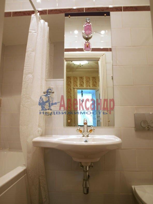 3-комнатная квартира (80м2) в аренду по адресу 6 Красноармейская ул., 80— фото 5 из 8