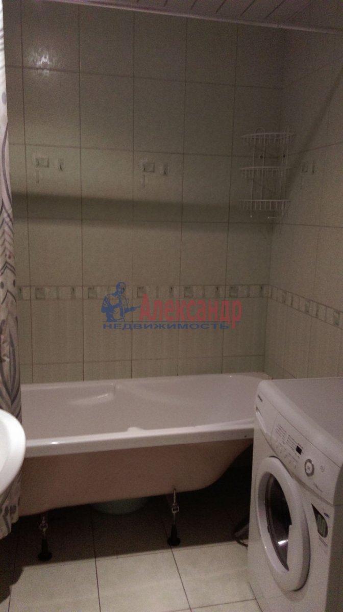 1-комнатная квартира (38м2) в аренду по адресу Стародеревенская ул., 22— фото 2 из 5