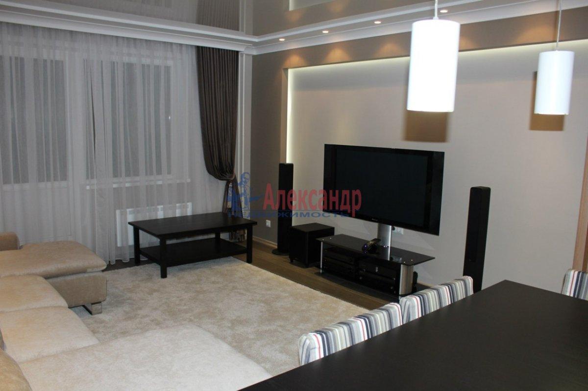 2-комнатная квартира (80м2) в аренду по адресу Просвещения пр., 87— фото 2 из 2