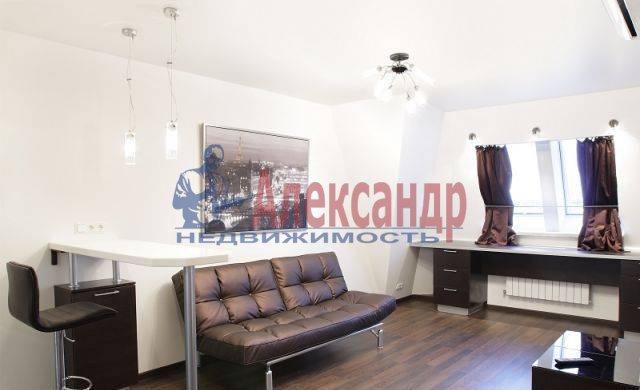 2-комнатная квартира (60м2) в аренду по адресу Комсомола ул., 14— фото 2 из 8