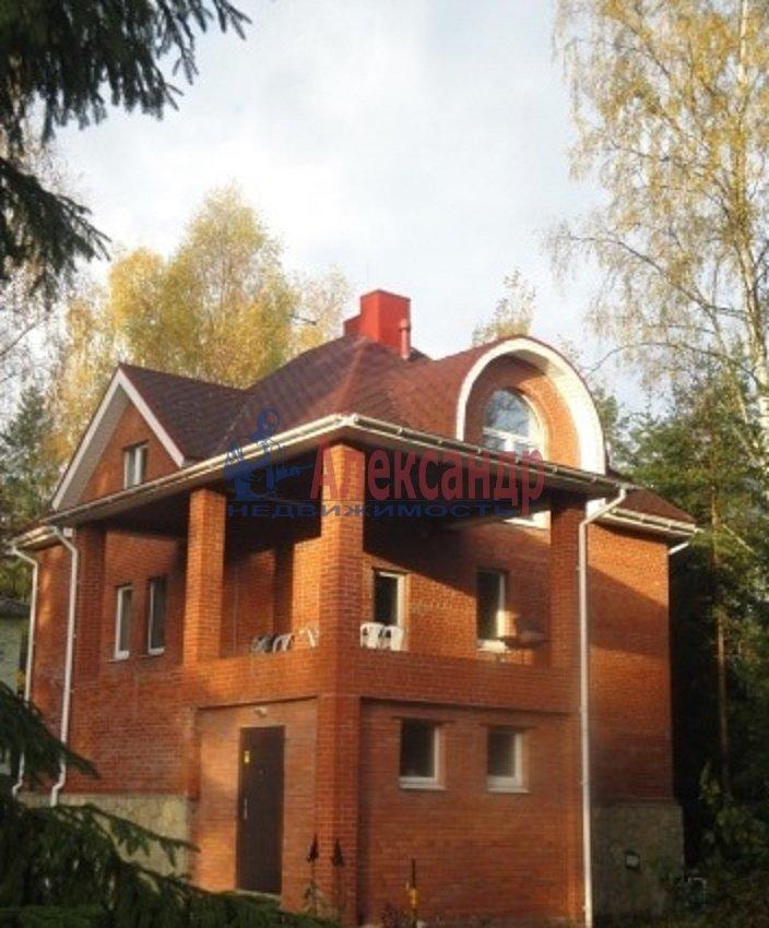 Дом (240м2) в аренду — фото 1 из 7