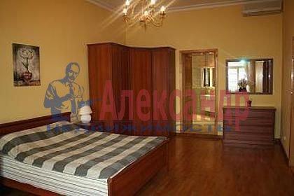 3-комнатная квартира (126м2) в аренду по адресу Канала Грибоедова наб., 10— фото 1 из 6