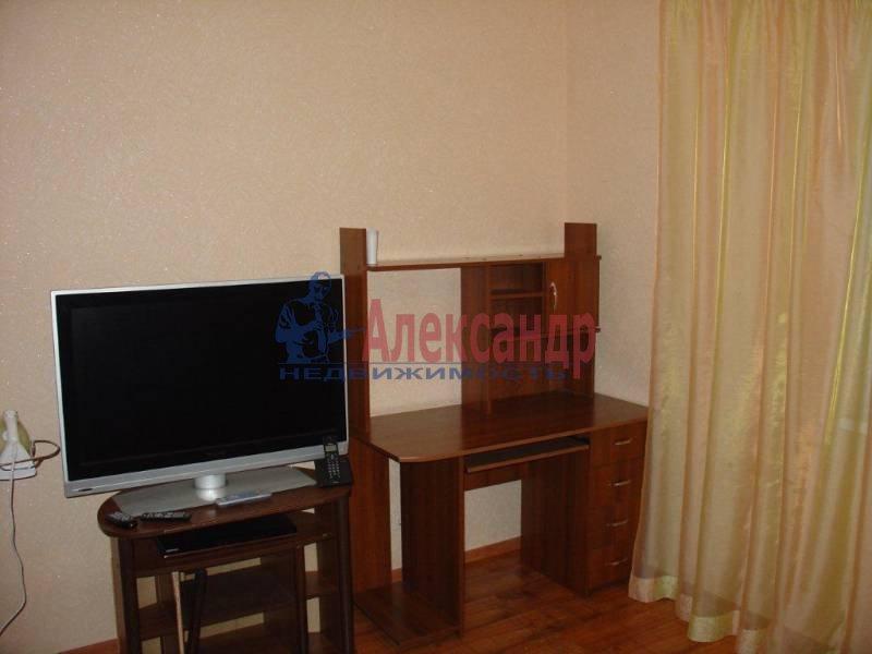 2-комнатная квартира (75м2) в аренду по адресу Заставская ул., 28— фото 3 из 6