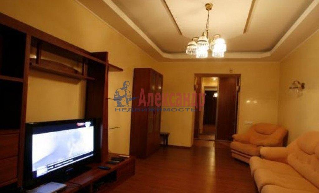 2-комнатная квартира (72м2) в аренду по адресу Подольская ул., 17— фото 1 из 4