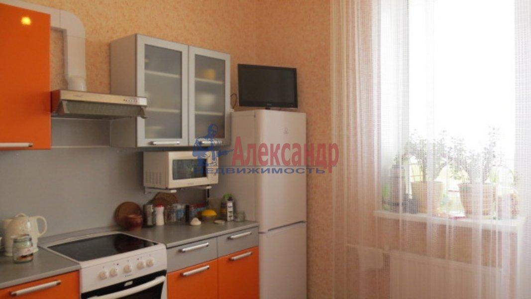 Комната в 3-комнатной квартире (35м2) в аренду по адресу Стрельбищенская ул., 24— фото 1 из 3