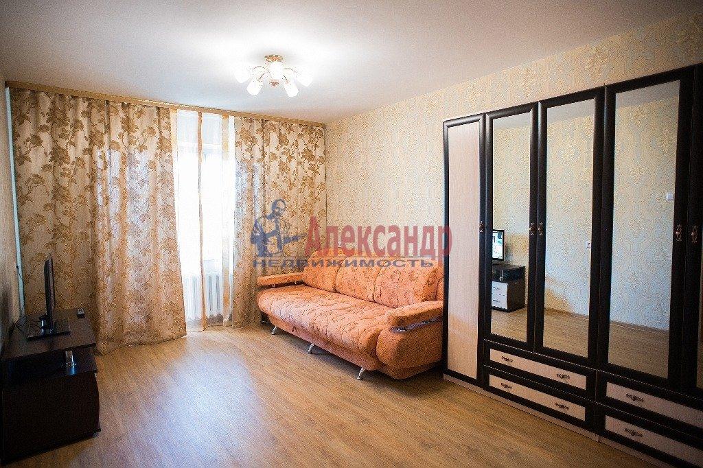 2-комнатная квартира (60м2) в аренду по адресу Славы пр., 55— фото 2 из 7