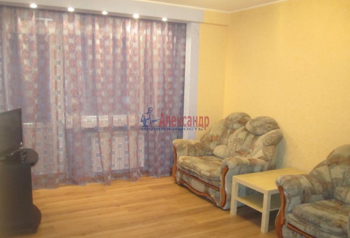 1-комнатная квартира (38м2) в аренду по адресу Ленинский пр., 137— фото 2 из 7