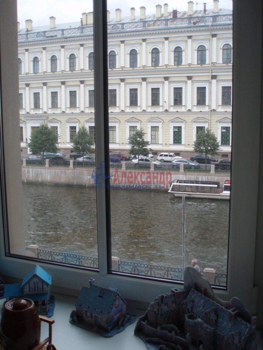 2-комнатная квартира (104м2) в аренду по адресу Реки Мойки наб., 71— фото 3 из 7