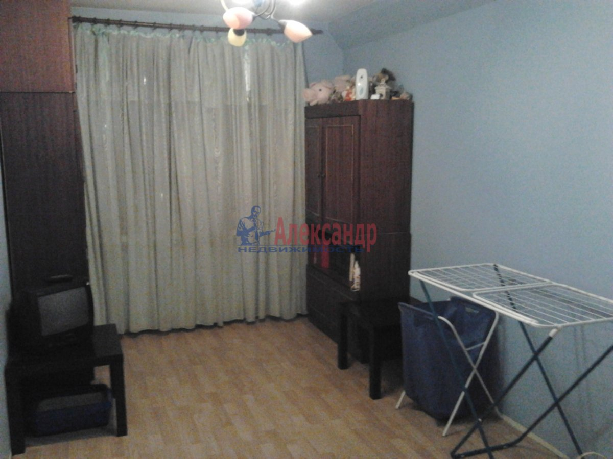 3-комнатная квартира (68м2) в аренду по адресу Наличная ул., 36— фото 7 из 10