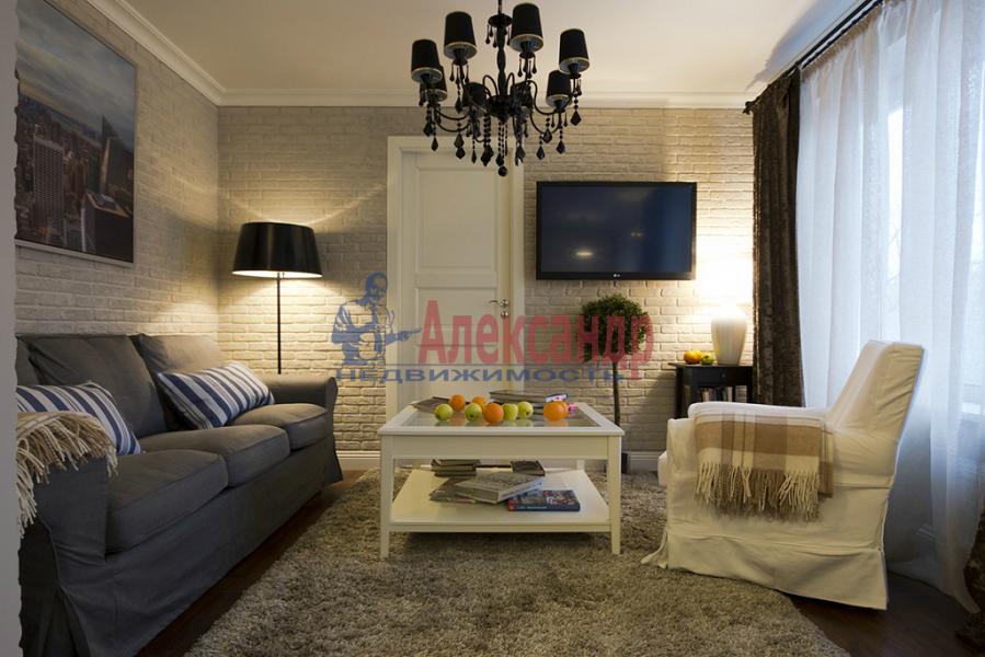 2-комнатная квартира (71м2) в аренду по адресу Марата ул., 37— фото 3 из 4