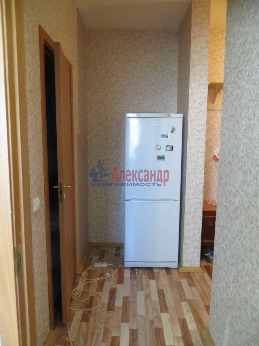 1-комнатная квартира (35м2) в аренду по адресу Комсомола ул., 10— фото 2 из 5