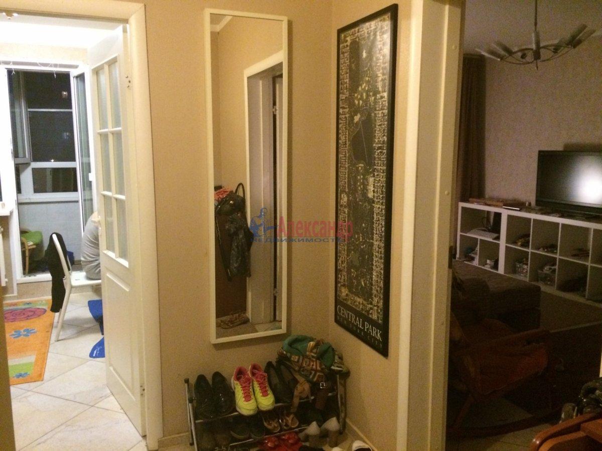 2-комнатная квартира (67м2) в аренду по адресу Ярослава Гашека ул., 15— фото 2 из 6