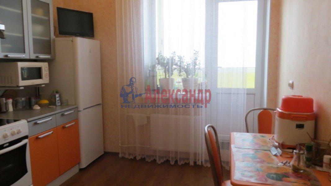 Комната в 3-комнатной квартире (35м2) в аренду по адресу Стрельбищенская ул., 24— фото 2 из 3