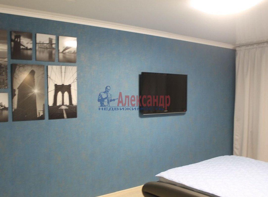 1-комнатная квартира (37м2) в аренду по адресу Шлиссельбургский пр., 37— фото 3 из 7