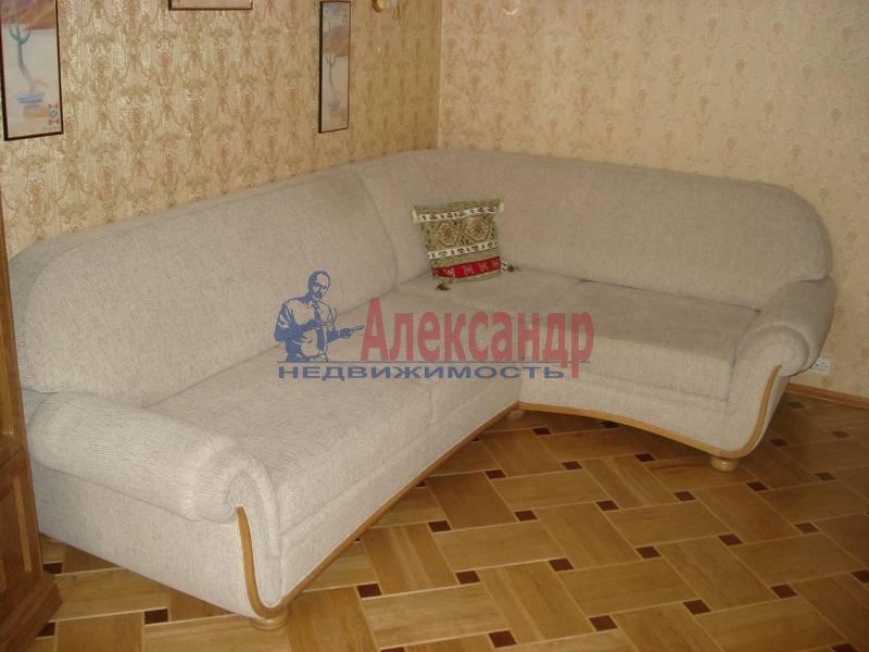 2-комнатная квартира (53м2) в аренду по адресу Шотмана ул., 11— фото 2 из 8