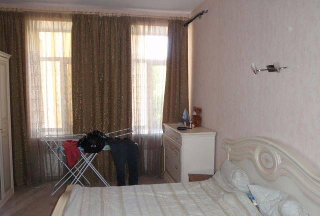 3-комнатная квартира (94м2) в аренду по адресу 9 линия В.О., 70— фото 1 из 5