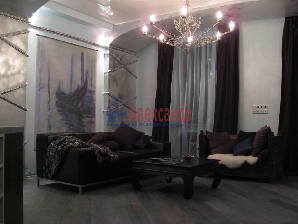 3-комнатная квартира (110м2) в аренду по адресу Реки Мойки наб., 1— фото 1 из 4