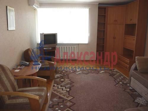 2-комнатная квартира (59м2) в аренду по адресу Богатырский пр., 9— фото 2 из 7