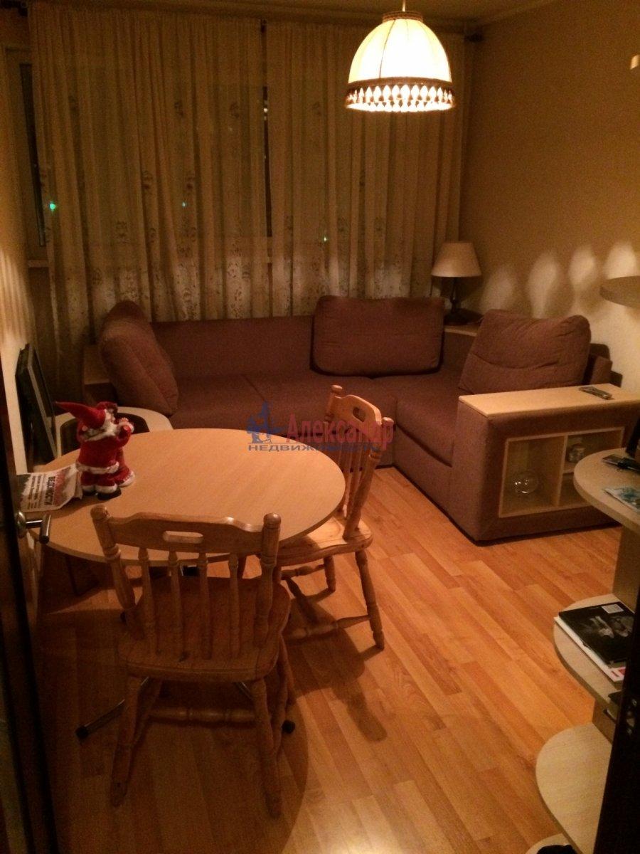 2-комнатная квартира (47м2) в аренду по адресу Ушинского ул., 9— фото 7 из 19