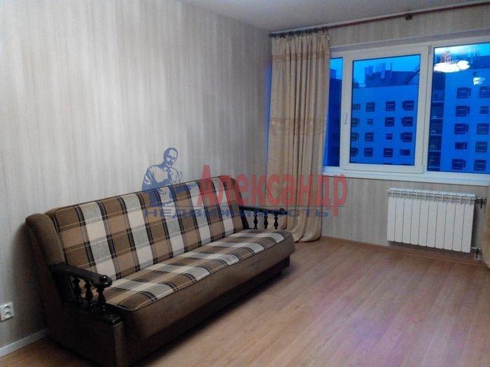 1-комнатная квартира (35м2) в аренду по адресу Демьяна Бедного ул., 2— фото 2 из 10