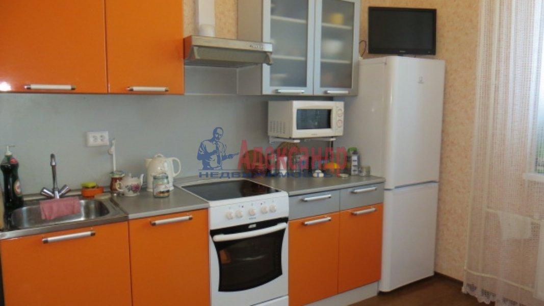 Комната в 3-комнатной квартире (35м2) в аренду по адресу Стрельбищенская ул., 24— фото 3 из 3