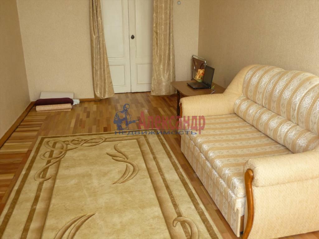 2-комнатная квартира (64м2) в аренду по адресу Большой пр.— фото 2 из 9