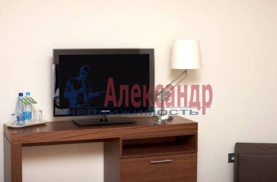 1-комнатная квартира (35м2) в аренду по адресу Московский просп., 93— фото 2 из 3