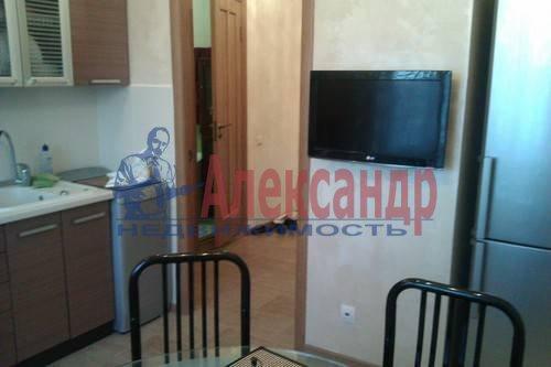 2-комнатная квартира (61м2) в аренду по адресу Коломяжский пр., 26— фото 7 из 12