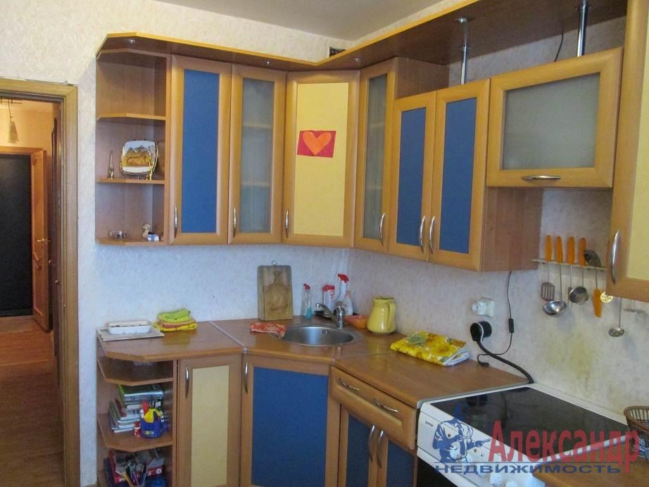 1-комнатная квартира (42м2) в аренду по адресу Лени Голикова ул., 47— фото 2 из 6