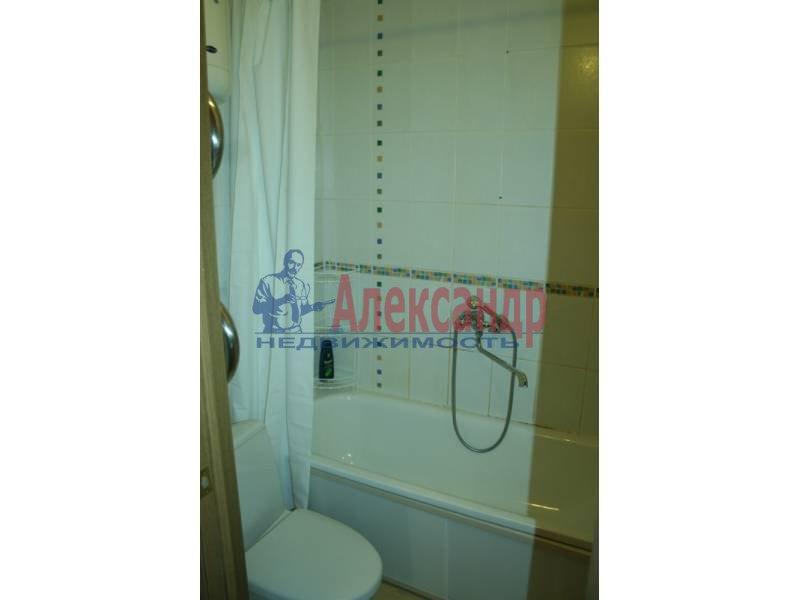 1-комнатная квартира (40м2) в аренду по адресу Космонавтов просп., 61— фото 4 из 4