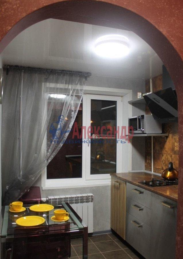 1-комнатная квартира (37м2) в аренду по адресу Шлиссельбургский пр., 37— фото 1 из 7