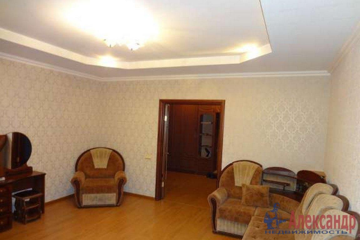 2-комнатная квартира (71м2) в аренду по адресу Садовая ул., 60— фото 1 из 3